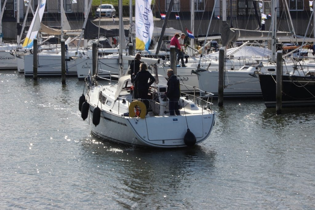Jacht in haven Willemstad